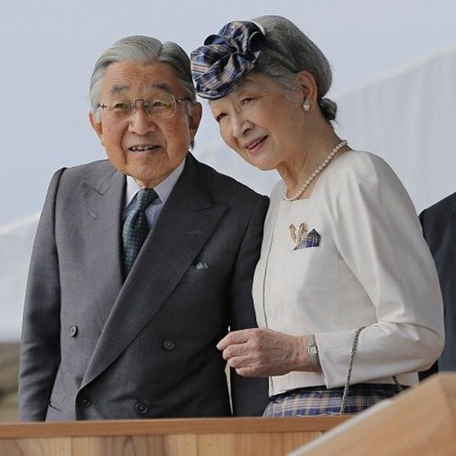 Chuyện tình cổ tích của Nhà Vua Nhật Bản phá bỏ quy tắc Hoàng gia để kết hôn với cô gái thường dân - Ảnh 9.